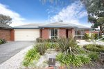 9 The Seekers Crescent, MILL PARK VIC