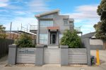 1430 Centre Road, CLAYTON SOUTH VIC